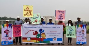 Human Chain Demanded Ban on Lead Paints